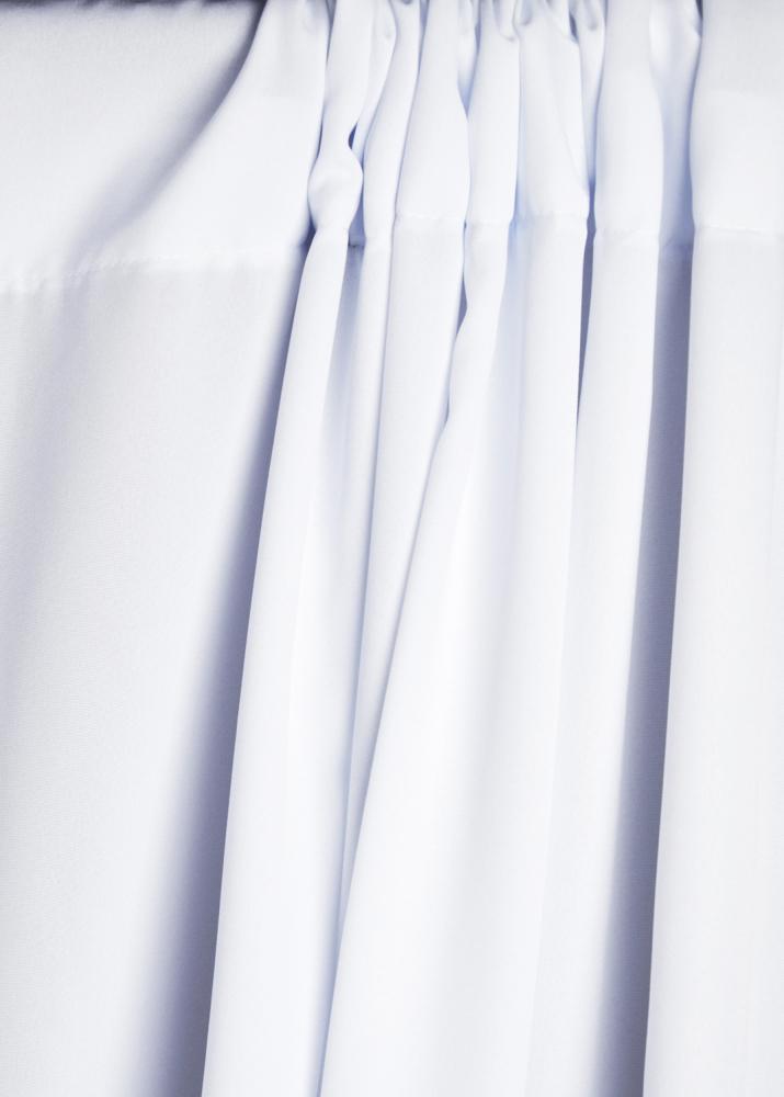 Bílé látkové pozadí 1,5 x 3m